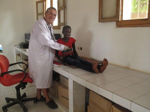 Le Dr Legros a donné 1 720 consultations gratuites aux enfants de La Somone.