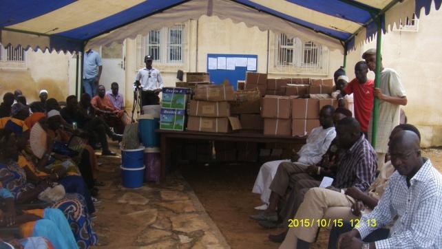La commune de somone à procéder ce jeudi 15 octobre, à la traditionnelle remise de fournitures scolaires, aux différents établissements scolaires de la ville.